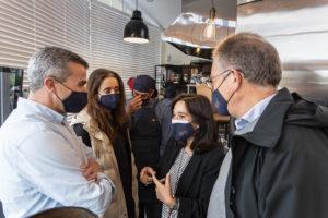 """Inés Rey inaugura o proxecto de inclusión laboral """"Quiosco Down Experience"""""""